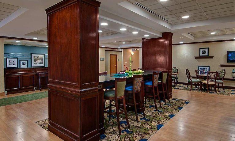 hampton inn newport news victory blvd newport news va. Black Bedroom Furniture Sets. Home Design Ideas